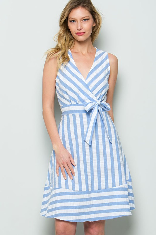 Big stripe sleevless dress with self tie